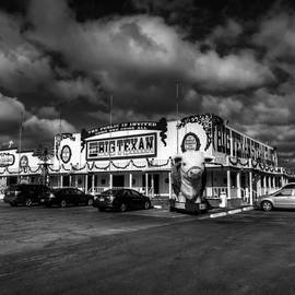 Lance Vaughn - Route 66 - The Big Texan 003 BW