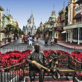 Thomas Woolworth - Roy and Minnie Mouse Walt Disney World