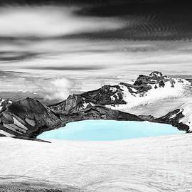 Fabian Roessler - Ruapehu vulcano art