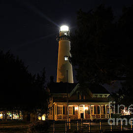 Leslie Kirk - Saint Simons Lighthouse