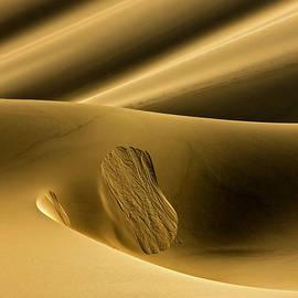 Michael Cinnamond - Sand Avalanche