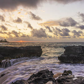 Brian Harig - Sandy Beach Sunrise 1 - Oahu Hawaii
