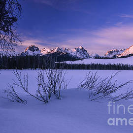 Vishwanath Bhat - Sawtooth winter sunrise in stanley Idaho
