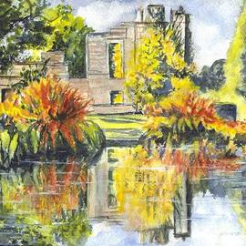 Carol Wisniewski - Scotney Castle Ruins Kent England