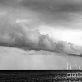 Yuri Santin - Sea and clouds