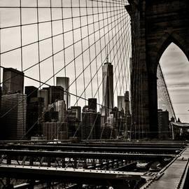 Madeline Ellis - Seen Through the Brooklyn Bridge