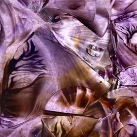 Cristina Handrabur - Self-consciousness glimmer