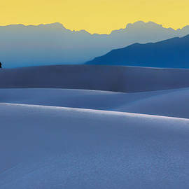 Nikolyn McDonald - Sense of Scale - White Sands - Sunset