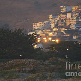 Debby Pueschel - Setting Sun on the Homes of Morro Bay