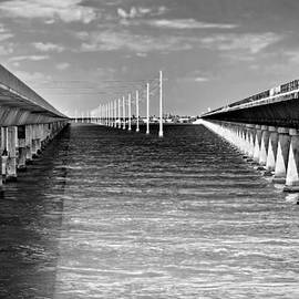 Rudy Umans - seven mile bridge BW
