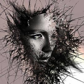 Marina Vergult - Shattered