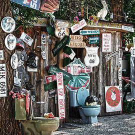RicardMN Photography - Shed toilet bowls and plaques in Seligman
