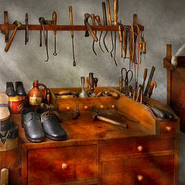 Mike Savad - Shoemaker - The cobblers shop
