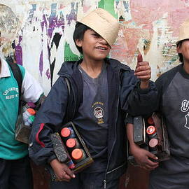 Laurel Talabere - Shoeshine Boys in Quito