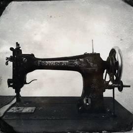 Marco Oliveira - Singer Sewing Machine