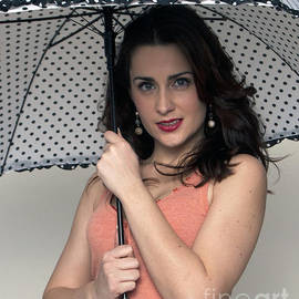 Leslie Cruz - Singing in the Rain