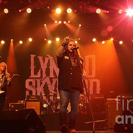 Gary Gingrich Galleries - Skynyrd-Stage-7844