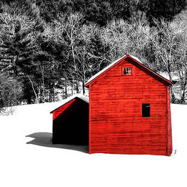 Geoffrey Coelho - Small Red Barn - Selective Color - 5x7 Crop