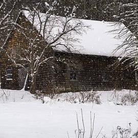 Lisa Bryant - Snow Barn