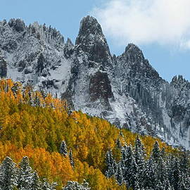Jetson Nguyen - Snow on the San Juan Mountains in autumn
