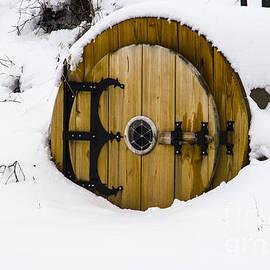 Deborah Smolinske - Snowed-In Hobbit House