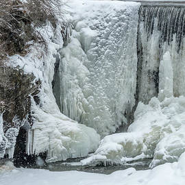 Stroudwater Falls Photography - Snowing On The Ice Wall