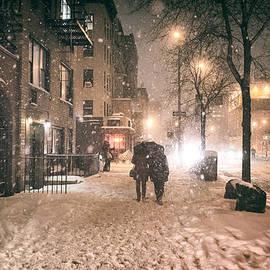 Vivienne Gucwa - Snowy Night - Winter in New York City