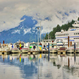 Eti Reid - Some seriously low clouds over Horseshoe bay