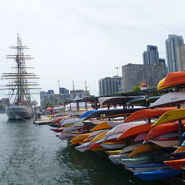 Lingfai Leung - Sorlandet and Canoes at dockyard