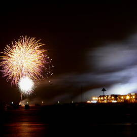 Perggals - Southend Pier Fireworks