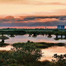 Will Abair - Space Shuttle Bldg Sunrise