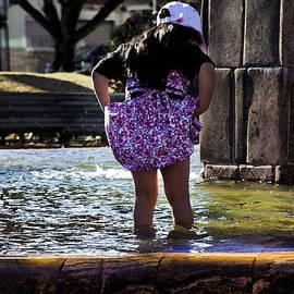 Al Bourassa - Splashing In San Blas Fountain