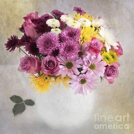 Carolyn Rauh - Spring Bouquet