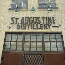 Laurie Perry - St. Augustine Distillery