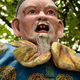 Imran Ahmed - Statue of old Chinese man in traditional dress