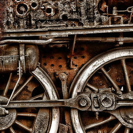 Daliana Pacuraru - Steampunk- Wheels locomotive