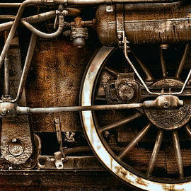 Daliana Pacuraru - Steampunk- Wheels of vintage steam train