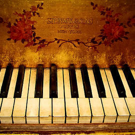 Colleen Kammerer - Steinway Golden Grand