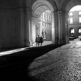 Georgina Noronha - Step into the light
