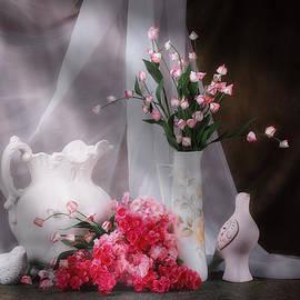 Tom Mc Nemar - Still Life with Flowers and Birds