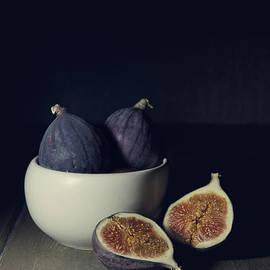 Jaroslaw Blaminsky - Still life with fresh figs