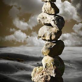 Heiko Koehrer-Wagner - Stone Pyramid in Balance