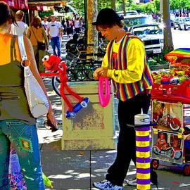 Joseph Coulombe - Street Balloon Art