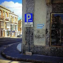 Noa Yerushalmi - Street Corner