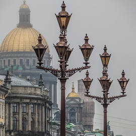 Ludmila Nayvelt - Street lights of Saint Petersburg