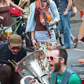 Sonja Quintero - Street Performers in Austin Texas