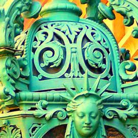 Betsy Moran - Streetlight in Nice
