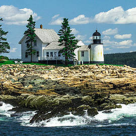 Steven Bateson - Summer At Winter Harbor Lighthouse