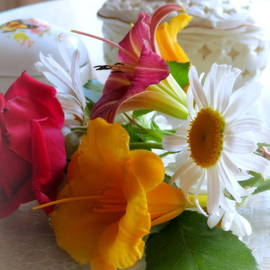 Kay Novy - Summer Bouquet