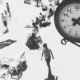 Valerie Rosen - Summer Days Winding Down